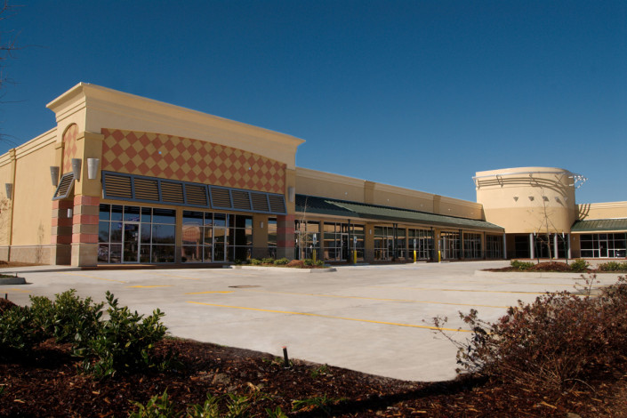 side view of Bluebonnet Square Baton Rouge Retail Center | DonahueFavret General Contractors | Louisiana and Gulf South