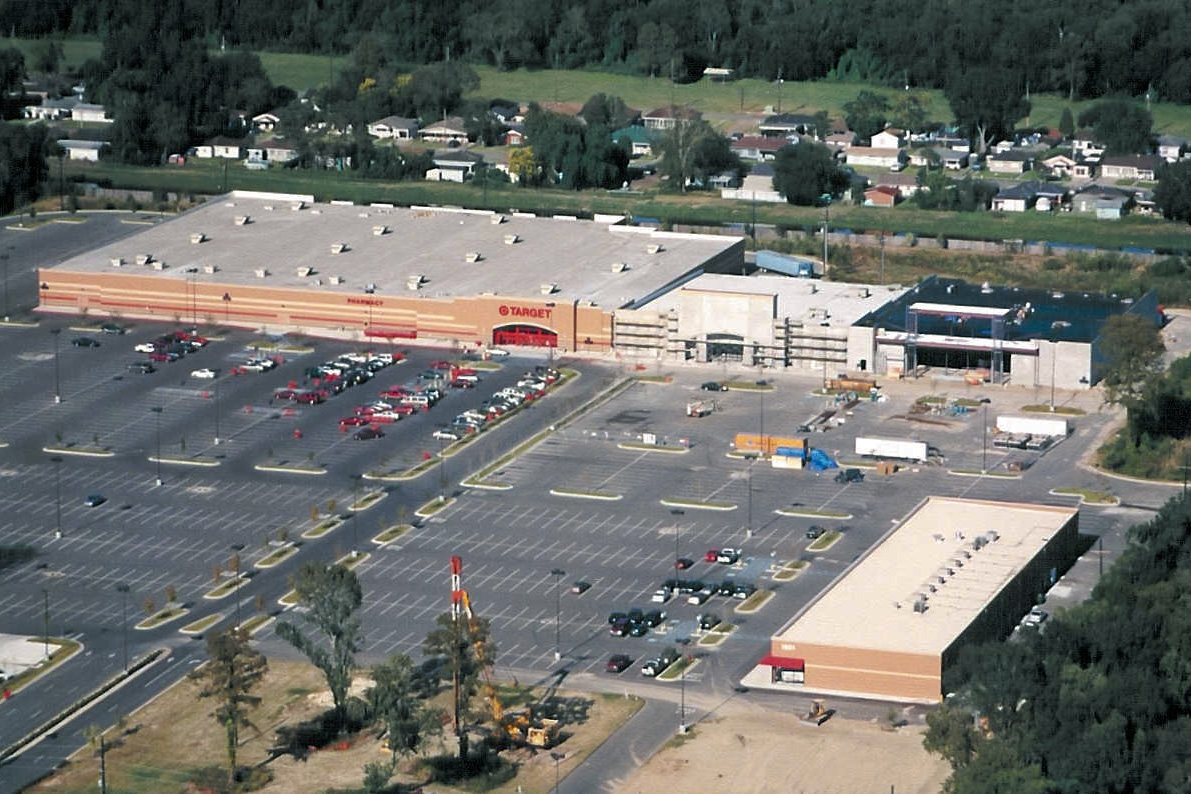 aerial view of Manhattan Place Shopping Center Harvey LA | DonahueFavret General Contractors | Louisiana and Gulf South