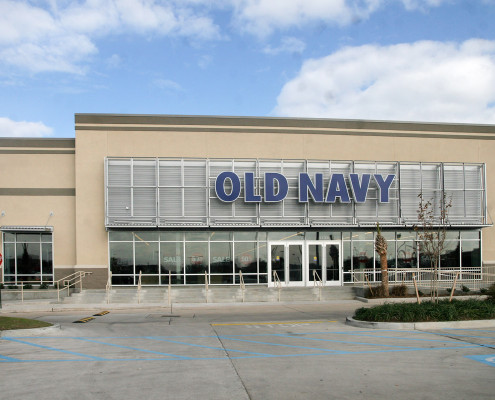 exterior of Old Navy Harahan, LA | DonahueFavret General Contractors | Louisiana and Gulf South