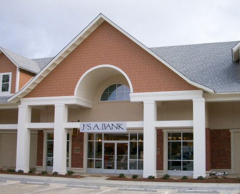 facade of Jos. A. Bank store Mandeville, LA | DonahueFavret General Contractors | Louisiana and Gulf South