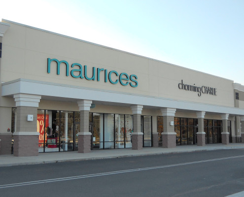facade of River Chase Retail Covington Maurices & Charming Charlie | DonahueFavret General Contractors | Louisiana and Gulf South
