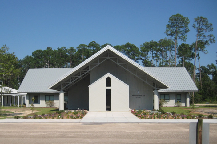 facade of St. John of the Cross Church Addition Lacombe LA | DonahueFavret General Contractors | Louisiana and Gulf South