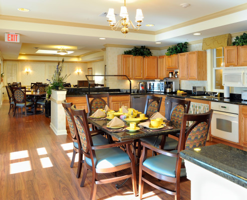 Sunrise Assisted Living Metairie Kitchenette