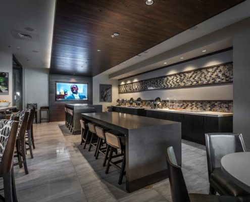 Baton Rouge Marriott dining area and bar | DonahueFavret General Contractors Louisiana and Gulf South