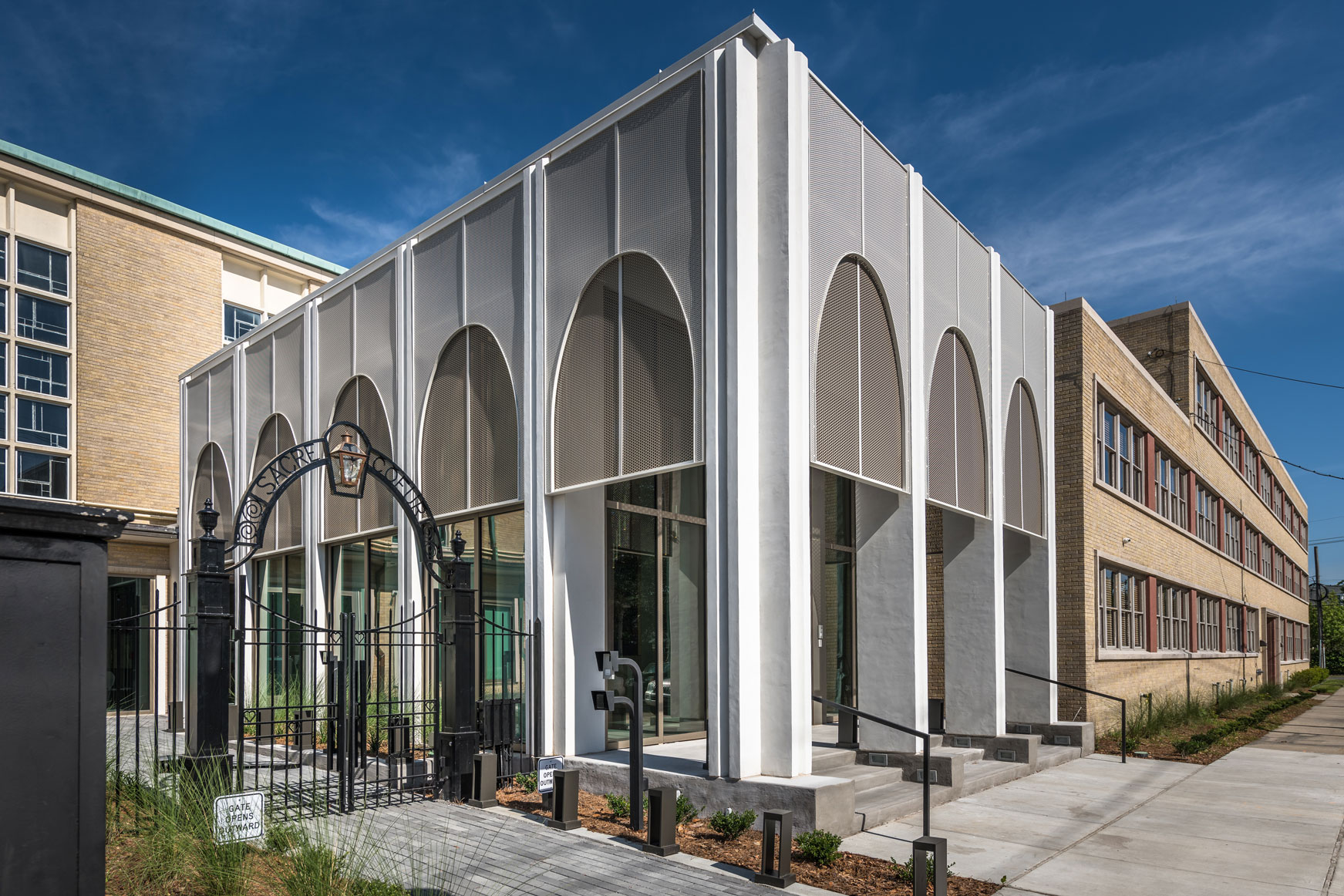 DonahueFavret General Contractor, Louisiana and Gulf South | Sacred Heart School Mater Campus new entrance exterior view