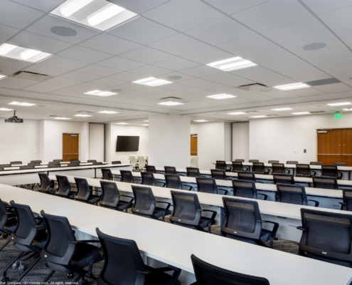 Meeting room at PanAm Life Building 11th floor renovation | DonahueFavret General Contractors | Louisiana and Gulf South
