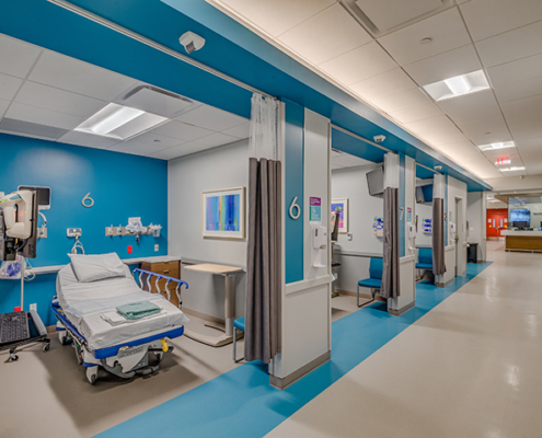 patient room at UMC Outpatient Surgery Center | DonahueFavret General Contractors | Louisiana and Gulf South