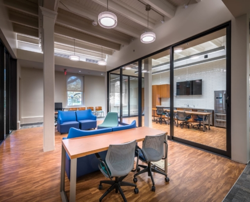 common area with tables and chairs in Tulane Richardson Hall renovation | DonahueFavret General Contractor | Louisiana and Gulf South